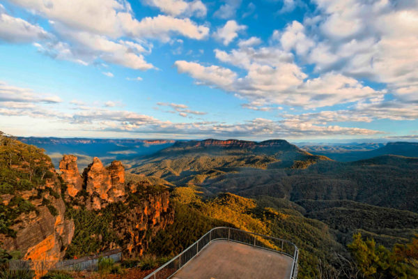A view of the Three Sisters from Echo Point.